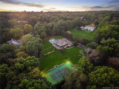 Luxury Mansion Sold in Fairfield CT 06824. Big colonial house near beach side waterfront with swimming pool and 3 car garage.