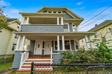 Foreclosure: Multi Family Home Sold in Bridgeport CT 06610. Old  house near waterfront with 2 car garage.