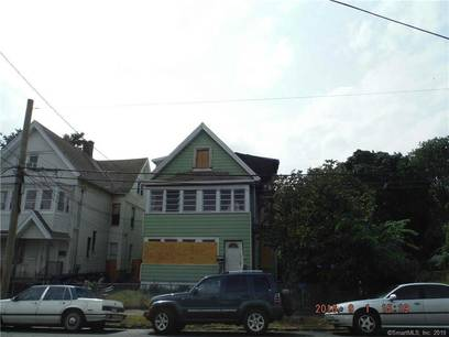 Multi Family Home Sold in Bridgeport CT 06605. Old  house near waterfront.