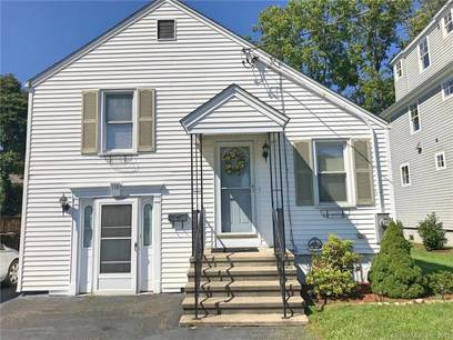 Single Family Home Sold in Fairfield CT 06824.  house near waterfront.
