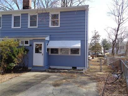 Foreclosure: Cooperative Home Sold in Stratford CT 06614.  townhouse near waterfront.