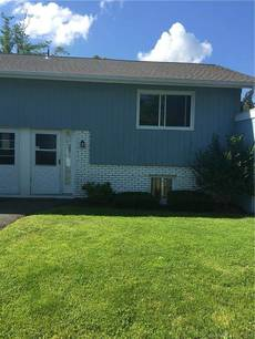 Condo Home Sold in Brookfield CT 06804.  townhouse near waterfront.