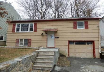 Foreclosure: Single Family Home Sold in Danbury CT 06810. Ranch house near waterfront with 1 car garage.