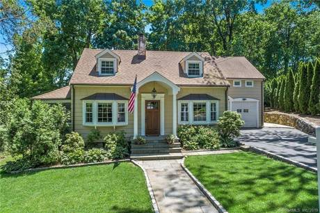 Single Family Home Sold in New Canaan CT 06840. Old  cape cod house near waterfront with 1 car garage.