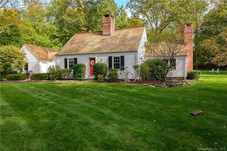 Single Family Home Sold in Norwalk CT 06854. Old colonial cape cod house near beach side waterfront with 2 car garage.
