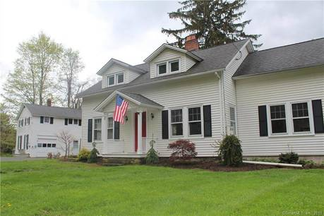 Single Family Home Sold in New Fairfield CT 06812. Old  cape cod house near waterfront with 1 car garage.