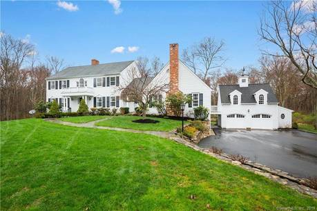 Single Family Home Sold in New Canaan CT 06840. Colonial house near waterfront with swimming pool and 4 car garage.