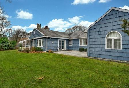Single Family Home Sold in New Canaan CT 06840. Ranch house near waterfront with 1 car garage.
