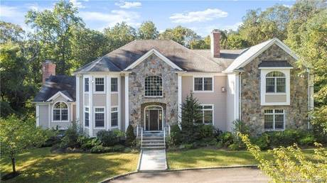 Single Family Home For Rent in Stamford CT 06902. Colonial house near beach side waterfront with 3 car garage.