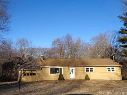 Foreclosure: Single Family Home Sold in Monroe CT 06468. Ranch house near waterfront with 1 car garage.