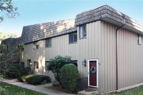 Condo Home For Sale in Norwalk CT 06854. Ranch house near beach side waterfront with swimming pool and 1 car garage.