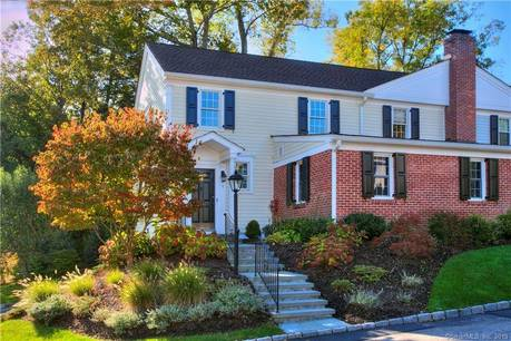 Condo Home Sold in New Canaan CT 06840.  townhouse near waterfront with swimming pool and 2 car garage.