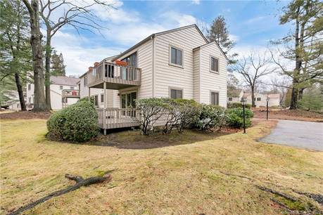 Condo Home Sold in Stratford CT 06614. Ranch house near waterfront with swimming pool.