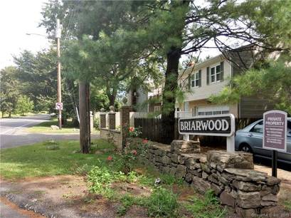 Condo Home Sold in Bridgeport CT 06610. Ranch house near beach side waterfront.