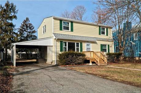 Foreclosure: Single Family Home For Sale in Stratford CT 06615.  cape cod house near waterfront.