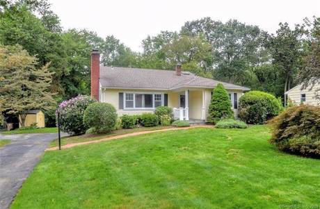 Single Family Home Sold in Stamford CT 06902.  house near waterfront with 2 car garage.