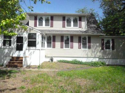 Single Family Home Sold in Bridgeport CT 06606. Colonial house near waterfront with 2 car garage.