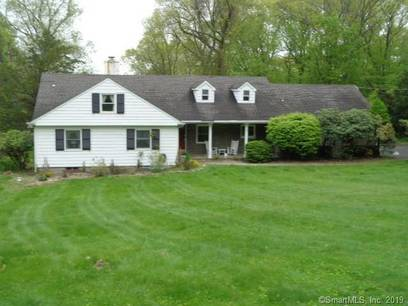 Foreclosure: Single Family Home Sold in Wilton CT 06897. Ranch cape cod house near waterfront with 2 car garage.
