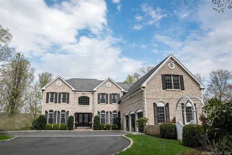 Single Family Home Sold in Newtown CT 06470. Colonial house near river side waterfront with 3 car garage.