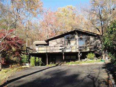 Foreclosure: Single Family Home Sold in Brookfield CT 06804. Ranch house near waterfront.
