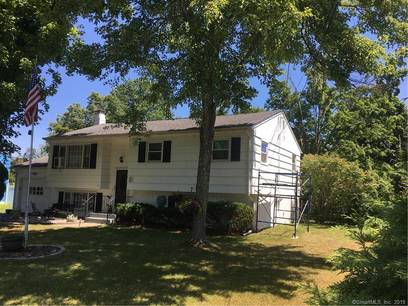 Single Family Home Sold in Brookfield CT 06804. Ranch house near waterfront with 1 car garage.