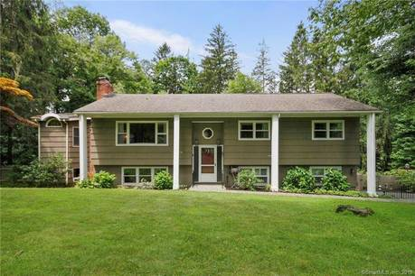 Single Family Home Sold in Danbury CT 06811. Contemporary, ranch house near waterfront with swimming pool and 2 car garage.