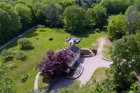 Single Family Home Sold in Newtown CT 06470. Old colonial farm house near waterfront with swimming pool and 3 car garage.