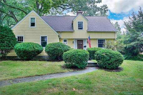Single Family Home Sold in Fairfield CT 06825. Old colonial cape cod house near beach side waterfront with 2 car garage.
