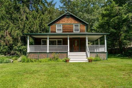 Single Family Home Sold in Norwalk CT 06850. Old colonial farm house near waterfront with 1 car garage.