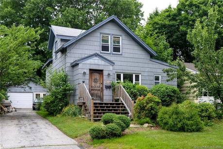 Short Sale: Single Family Home Sold in Stratford CT 06614. Old  cape cod house near beach side waterfront with 1 car garage.