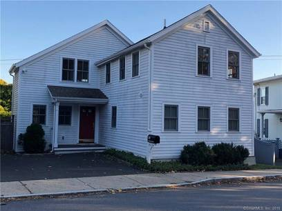 Single Family Home For Rent in New Canaan CT 06840. Colonial house near waterfront.