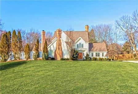 Mansion Sold in Fairfield CT 06824. Big colonial house near beach side waterfront with swimming pool and 2 car garage.
