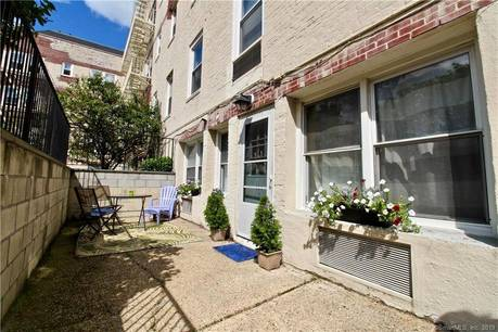 Condo Home Sold in Stamford CT 06850. Old ranch house near waterfront.