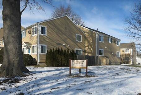 Condo Home Sold in Norwalk CT 06854. Ranch house near waterfront.