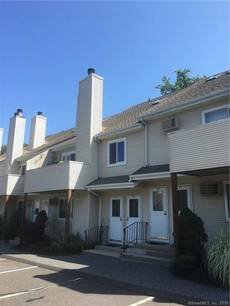 Condo Home Sold in Danbury CT 06811. Ranch house near waterfront.