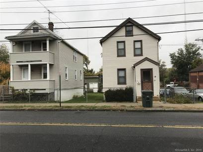 Single Family Home Sold in Bridgeport CT 06605. Old colonial house near waterfront with 3 car garage.
