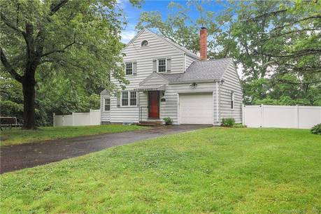 Single Family Home Sold in Stamford CT 06907. Colonial house near waterfront with 1 car garage.