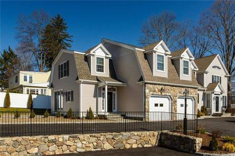 Condo Home For Rent in New Canaan CT 06840.  townhouse near waterfront with 1 car garage.