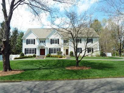 Mansion Sold in Westport CT 06880. Big colonial house near waterfront with swimming pool and 3 car garage.