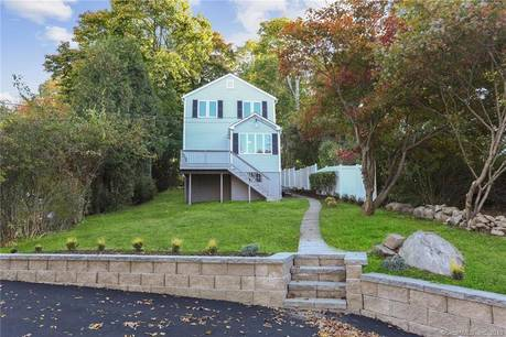 Single Family Home Sold in New Fairfield CT 06812.  house near waterfront.
