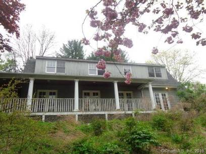 Foreclosure: Single Family Home Sold in Redding CT 06896. Colonial house near waterfront with 2 car garage.