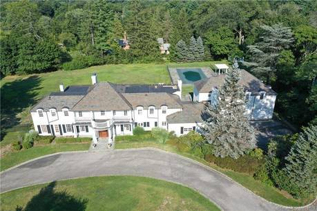 Foreclosure: Luxury Single Family Home Sold in Greenwich CT 06830. Colonial house near waterfront with swimming pool and 3 car garage.
