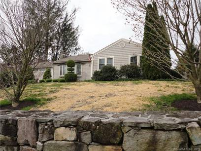 Single Family Home Sold in Brookfield CT 06804. Ranch house near beach side waterfront with 2 car garage.