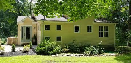 Single Family Home Sold in Shelton CT 06484. Ranch house near river side waterfront.