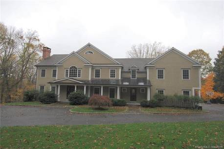 Single Family Home For Rent in Wilton CT 06897. Colonial house near waterfront with 3 car garage.