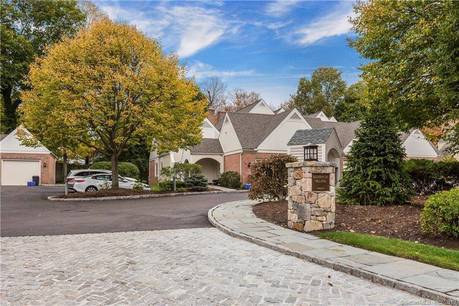 Condo Home Sold in Darien CT 06820.  townhouse near waterfront with 1 car garage.