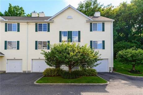 Foreclosure: Condo Home Sold in Danbury CT 06810.  townhouse near waterfront with 1 car garage.