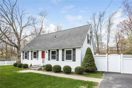 Single Family Home Sold in New Fairfield CT 06812.  cape cod house near waterfront.