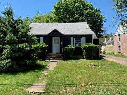 Foreclosure: Single Family Home Sold in Fairfield CT 06824. Ranch house near waterfront with 1 car garage.