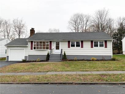 Single Family Home For Sale in Stratford CT 06614. Ranch house near waterfront with 1 car garage.